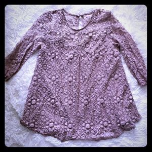Tops - Lilac lace shirt.